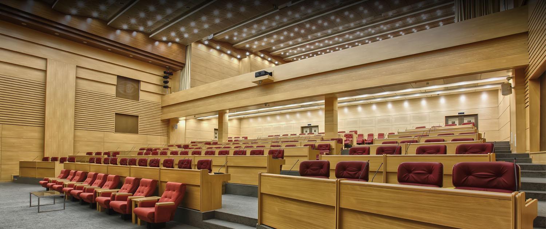 تجهیز سالن همایش ، تجهیز سالن آمفی تئاتر ،تجهیز سالن کنفرانس توسط شرکت الکتروویژن