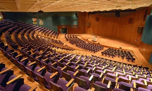 سالن آمفی تئاتر در دوران معاصر
